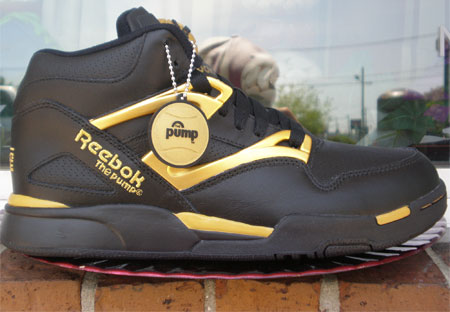 reebok-omni-lite-pump-black-gold-1